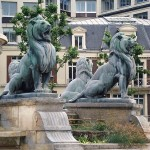 450px-Détail_Fontaine_du_Château_d'eau